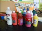 Vernis, brillants et peintures acryliques