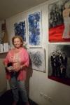 Jocelyne CAPUTO ( Joce ) devant ses tableaux